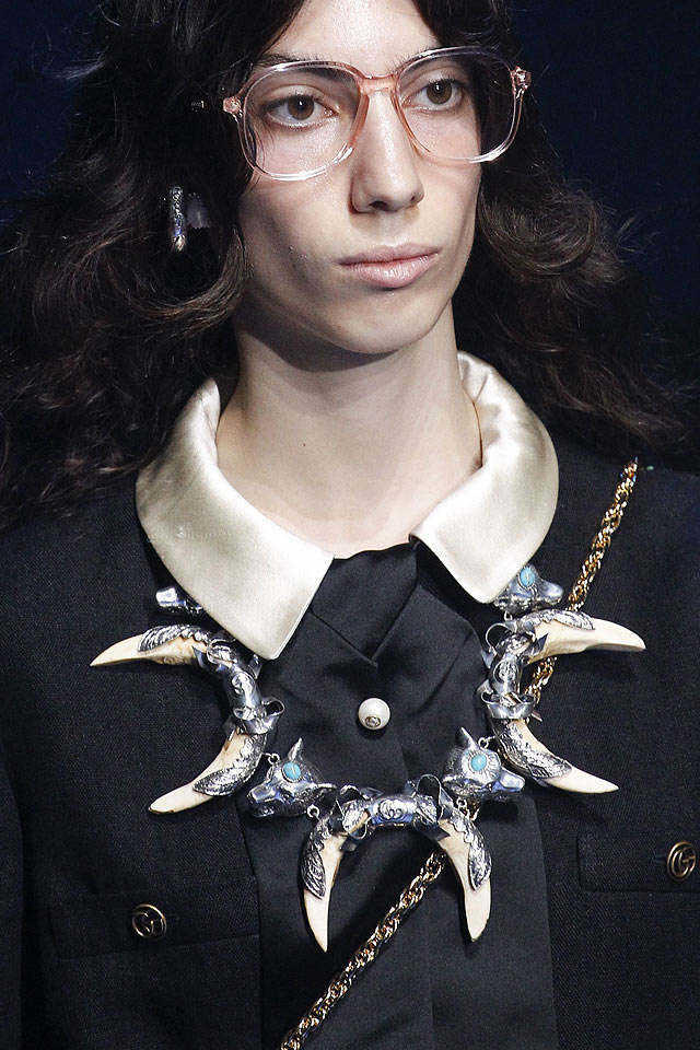 latest-fashion-accessories-spring-2018-runway-gucci-statement-necklace
