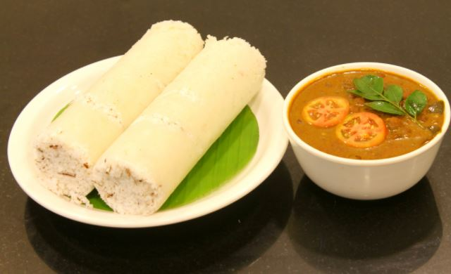 puttu-kadala-kerala-cuisine-must-try-south-indian-food