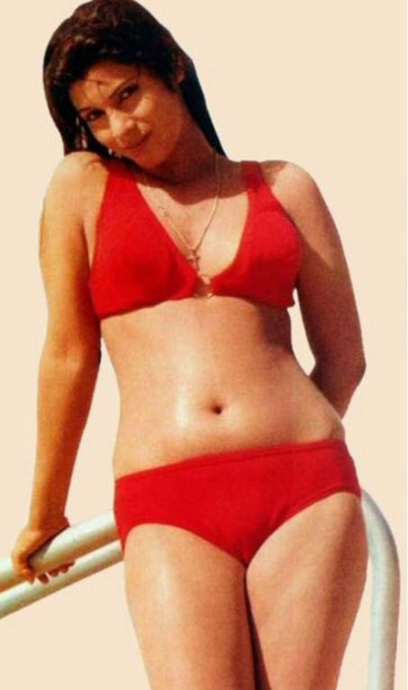 All bollywood actress in bikini