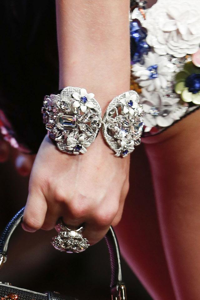 silver-polished-bracelet-ring-latest-trends-slubanalytics-ss18-fashion-dolce-gabbana