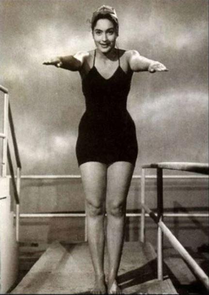 Bollywood Bikini suraj-aur-chand-tanuja-bollywood-actress-swimsuit-old-1960
