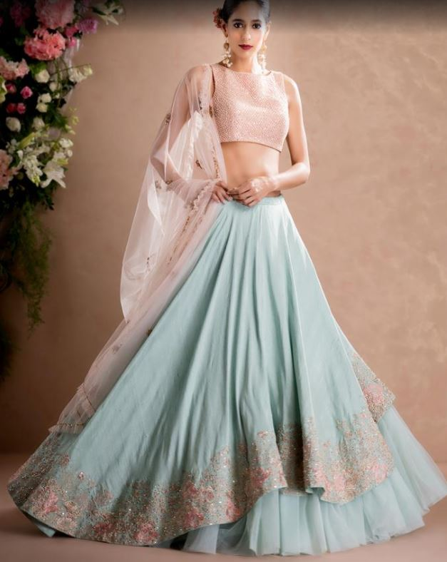 wedding-fashion-guide-style-advice-best-friends-wedding-pastel-designer-lehenga