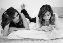 women-friends-fun-conversation-girls-marriage-pressure-from-indian-parents