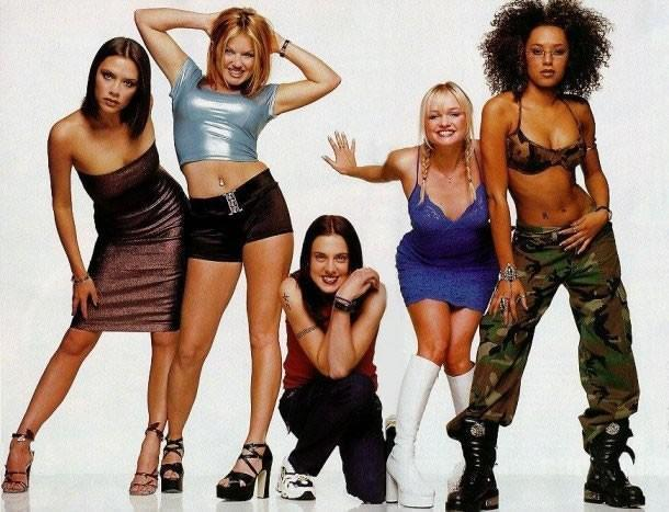 90s-fashion-icons-celebs-outfits-style-spice-girls-posh-spice
