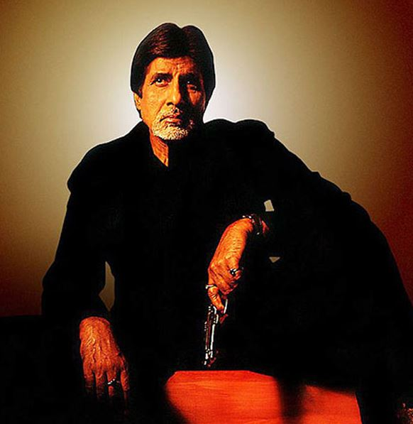 Bollywood villains aankhen-famous-bollywood-villains-amitabh-bachchan-negative-role-hero