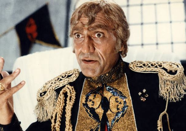 amrish-puri-mogambo-dramatic-costume-80s-bollywood-villain