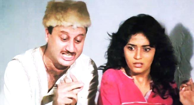 anupam-kher-madhuri-dixit-tezaab-negative-characters-bollywood-movies