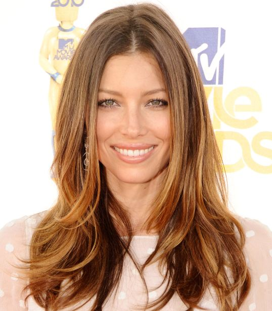 balayage-highlights-hair-trend-color-ideas-long-brown-hair-blonde