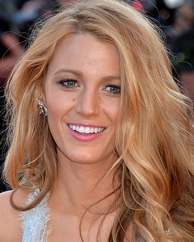blake-lively-blonde-hair-highlights-with-lowlights-2017-latestblonde-hair-with-lowlights
