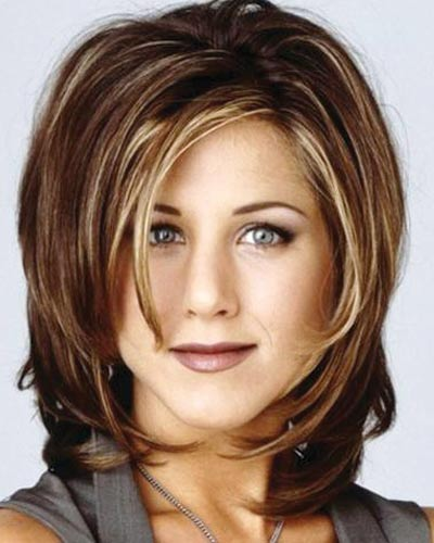 jennifer-aniston-rachel-green-friends-brown-lipstick-90s-makeup