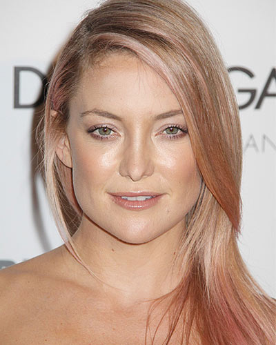 kate-hudson-pink-hair-blonde-hair-with low-highlights-2017-latestcolor-trends