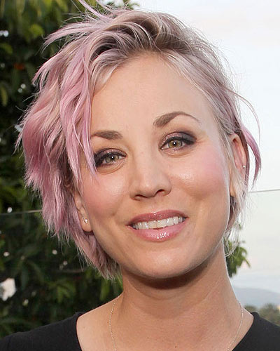 mcx-pink-hair-kaley-cuoco-blonde-hair-with-low-highlights-2017