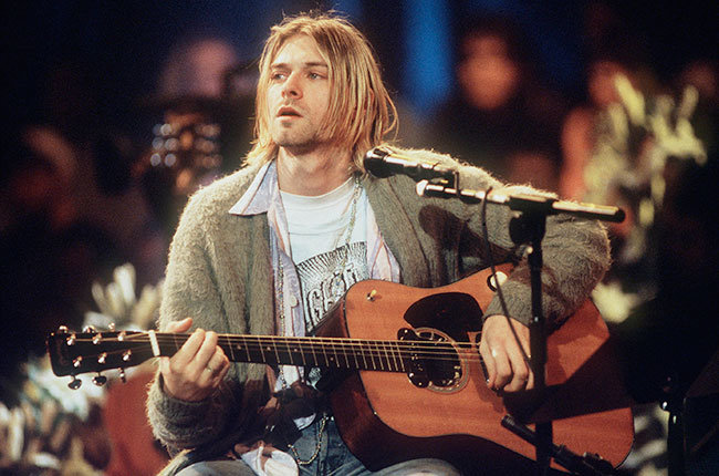 nirvana-grunge-fashion-kurt-cobain-90s-rock-band-outfits-style-look