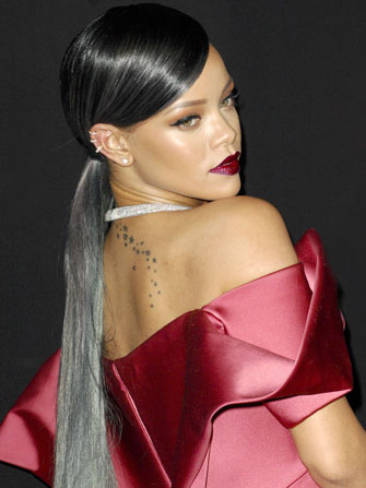 rihanna-grey-balayage-latest-trends-hair-color-idea