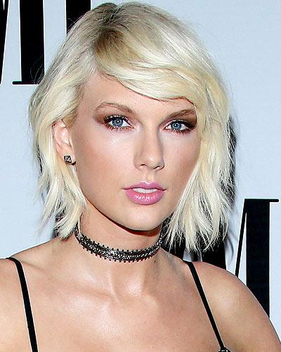 Taylor Celebrity Dark Roots Hair Color Latest Trnds