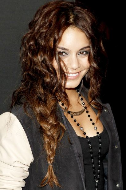 vanessa-hudgens-easy-braid-long-curly-hairdo-hairstyles-simple-quick