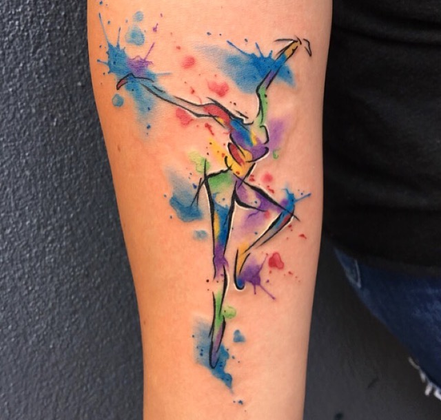 watercolor-tattoos-latest-trends-womens-hands-styles-trendy