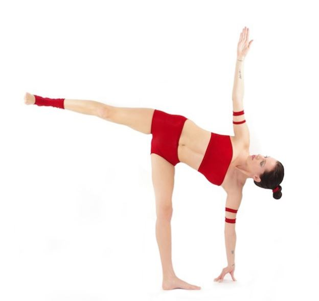 5-half-moon-pose-power-yoga-extended-legs