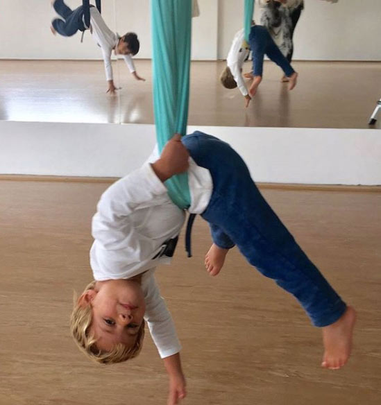aerial-yoga-air-anitgravity-yoga-kids-children-fitness