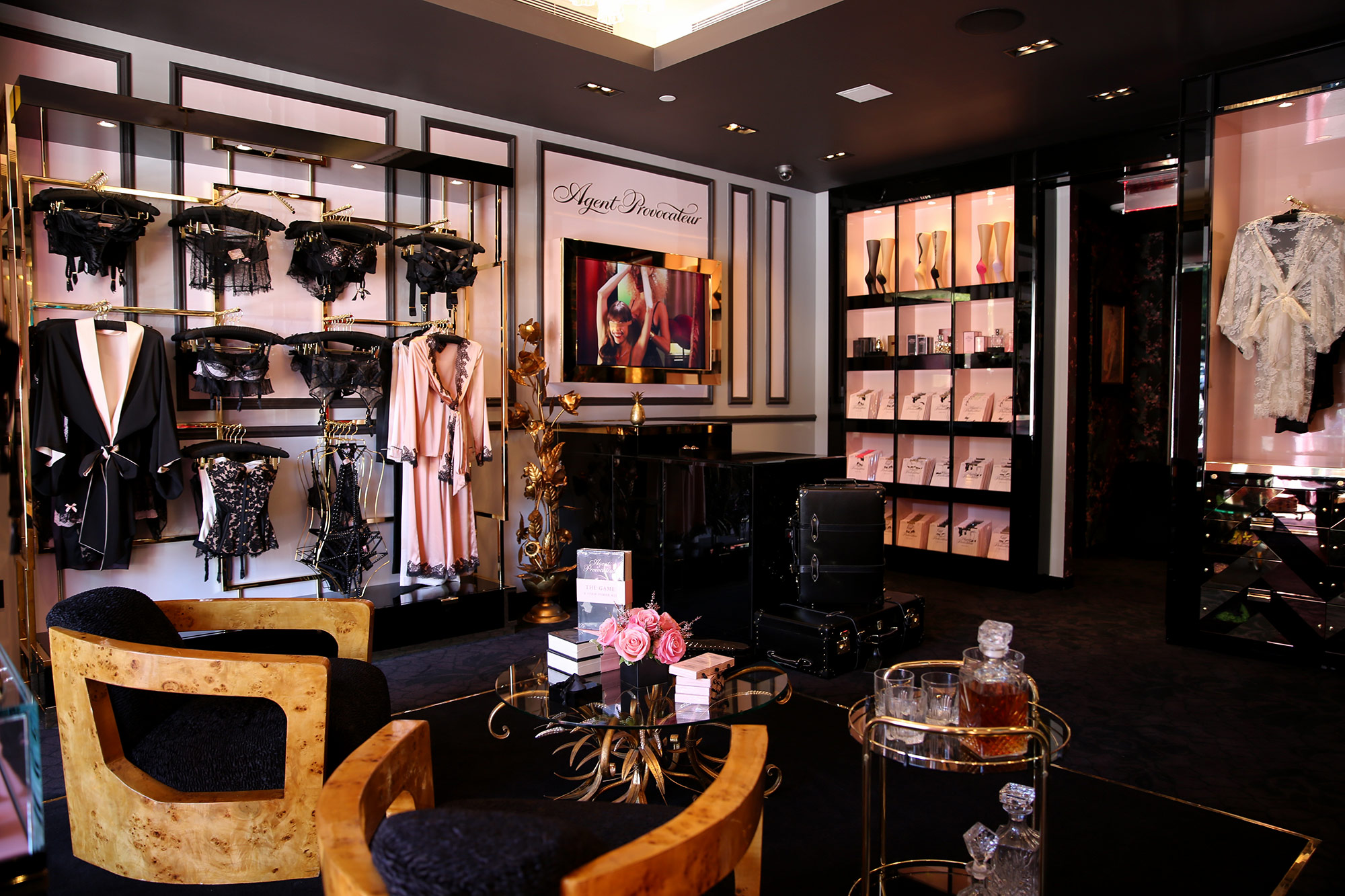 agent-provocator-boutique-paris-latest-stores-shopping-ideas