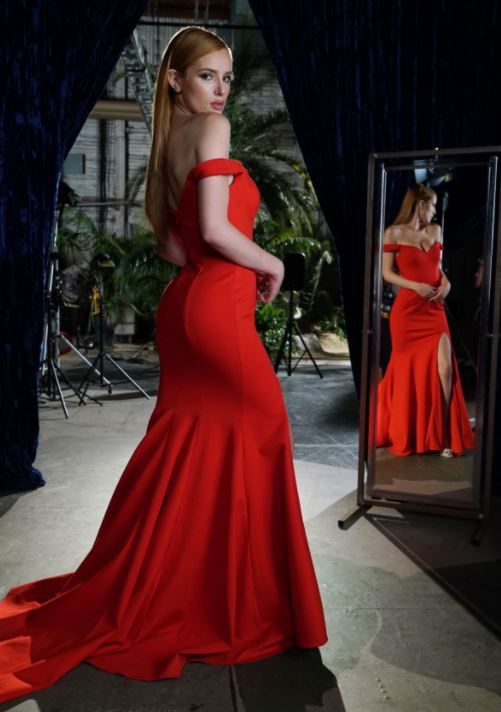 bella-thorne-famous-in-love-red-dress