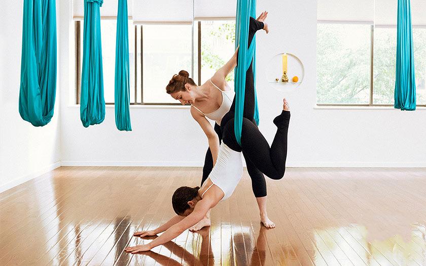 child-pose-yoga-pose-begginers-aerial-air-antigravity-yoga-postures