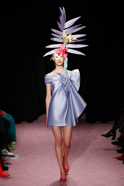 couture-fashion-week-pfw-ss18 (7)spring-summer-viktor-rolf-bow-cocktail-dress