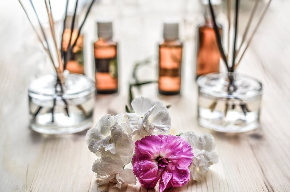 essential-oils-for-aromatherapy-best-carrier
