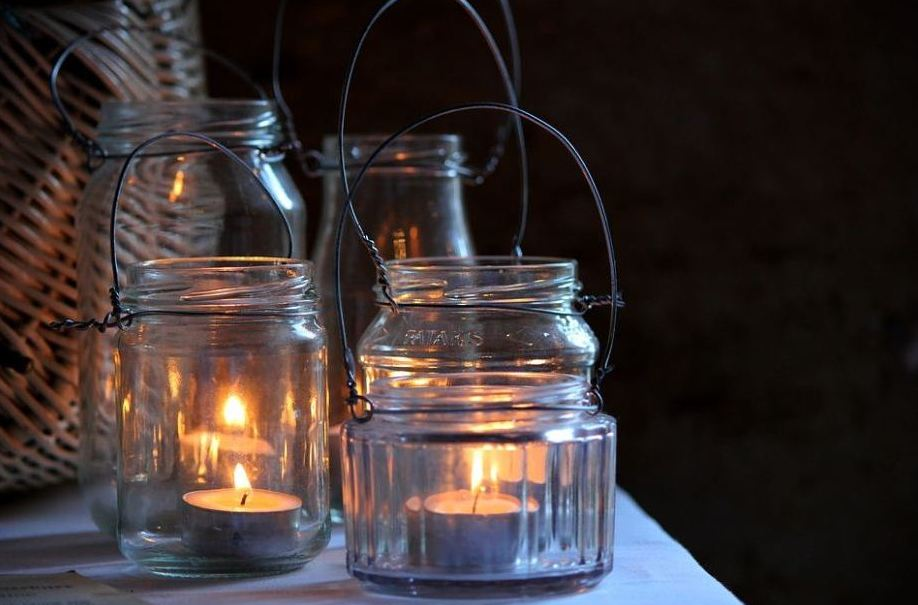 hippie-bohemian-southern-wedding-decor-ideas-tea-light-mason-jar-arrangements