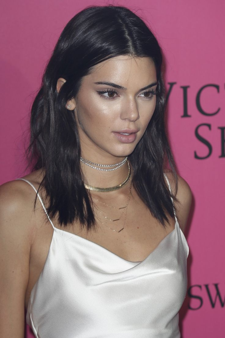 makeup-style-nude-lips-celeb-kendall-jenner-fashion-style-SS18