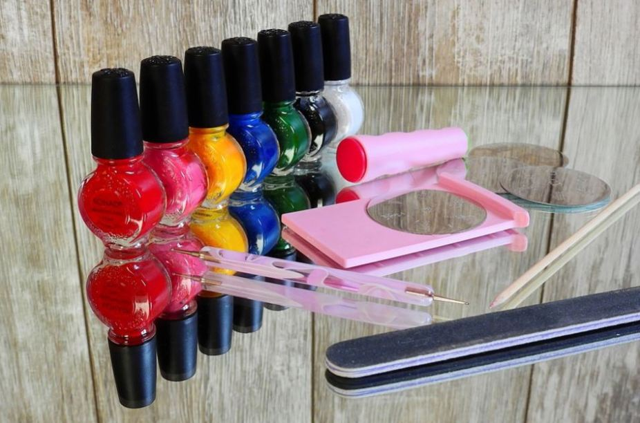 nail-salon-spa-home-mani-pedi-ideas-supplies-tools-basic-essentials