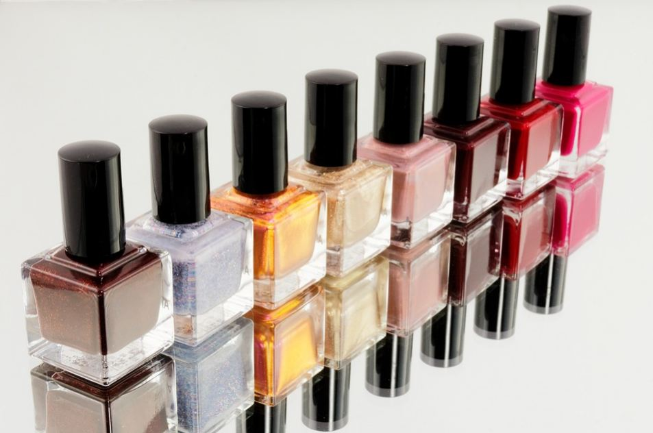 nail-spa-mani-pedi-nail-polish-colors-must-have-basic-essentials-nails