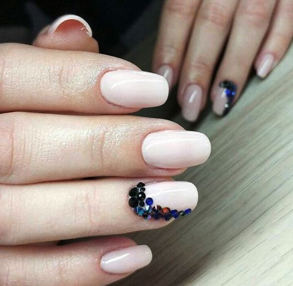 oval-nail-shape-chart-designs-mani-filing