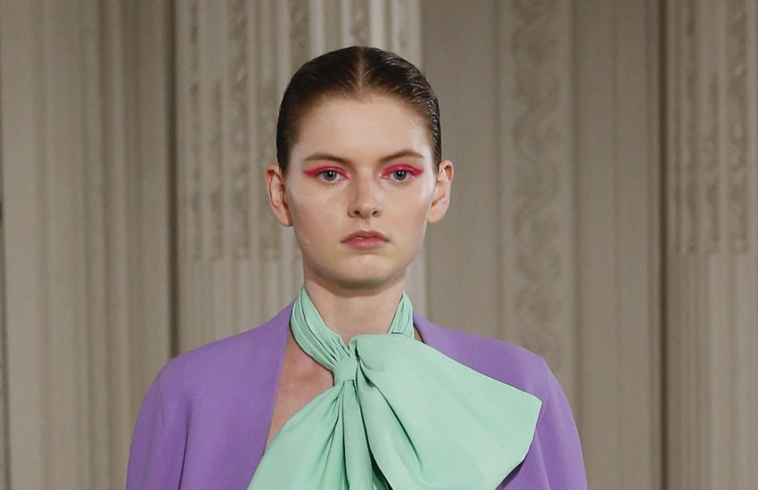paris-couture-fashion-week-2018-valentino-makeup-hair-pink-eyeliner