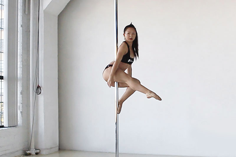 pole-dance-fitness-workout-training-class-exercise-beginner-easy-fairy-sit-pose