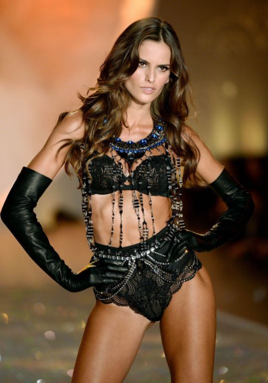 sexy-victorias-secret-model-runway-fashion-show