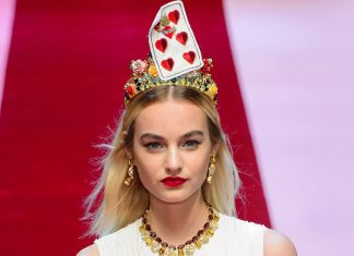 trendy-hair-accessories-dolce-gabbana-trends-spring-summer-2018