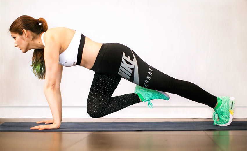 waist-without-waist-trainer-excersices-plank-leg-raise