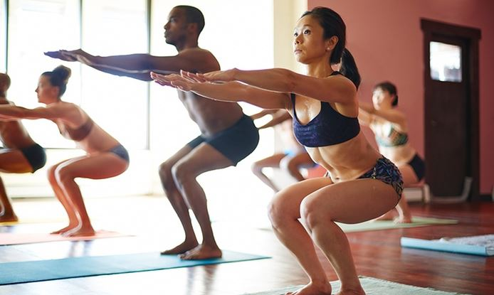 what-to-wear-to-bikram-yoga-clothing-fitness-women