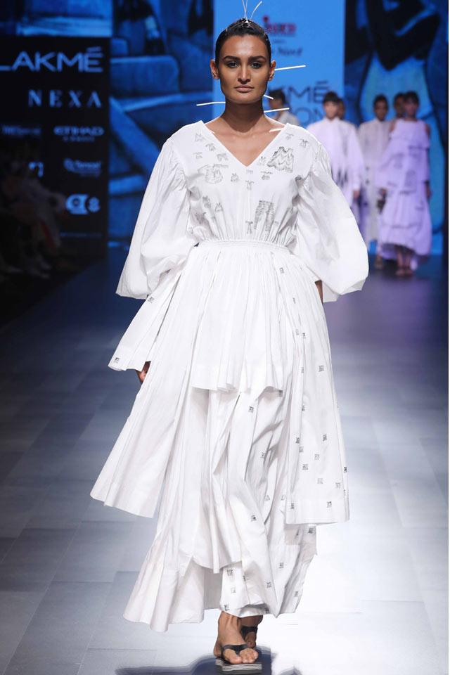 Mohammed-Mazhar-at-Lakme-Fashion-Week-Summer-Resort-2018-indian-fashion-long-knee-length sleeves