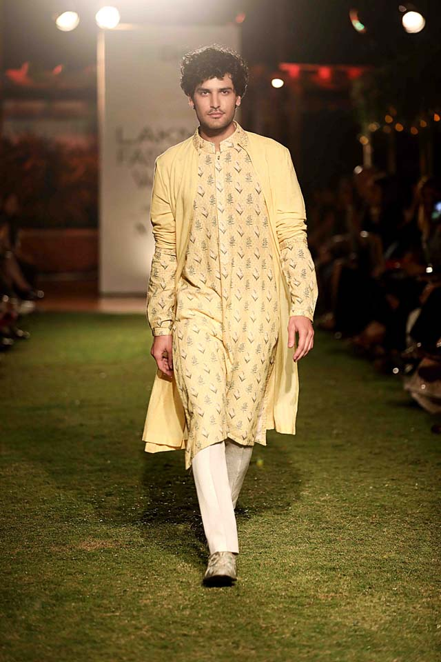 anita dongre-summer-resort-2018-collection-lakme-fashion-week (20)