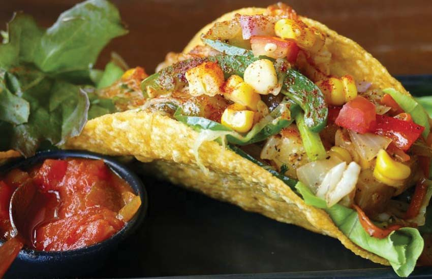 authentic-traditional-mexican-cuisine-tacos-salsa