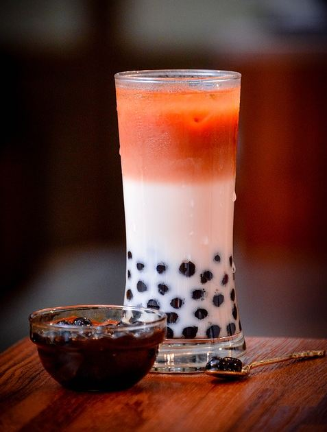 best-bubble-tea-flavors-recipes-diy-boba-tea-fruit-vodka-alcohol-pearl-milk-teas