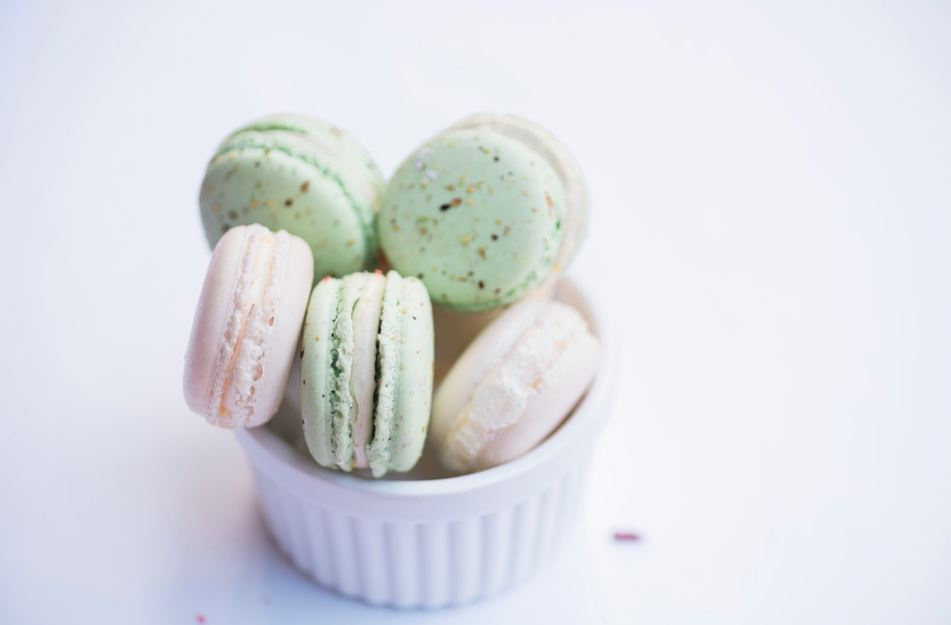 best-gourmet-macarons-flavors-fillings (10)-cotton-candy-floss