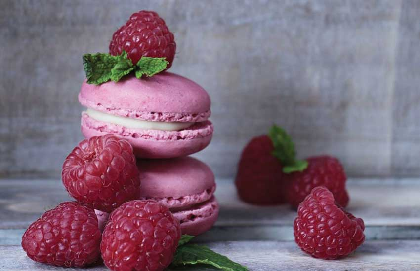 best-gourmet-macarons-flavors-fillings (3)-raspberry