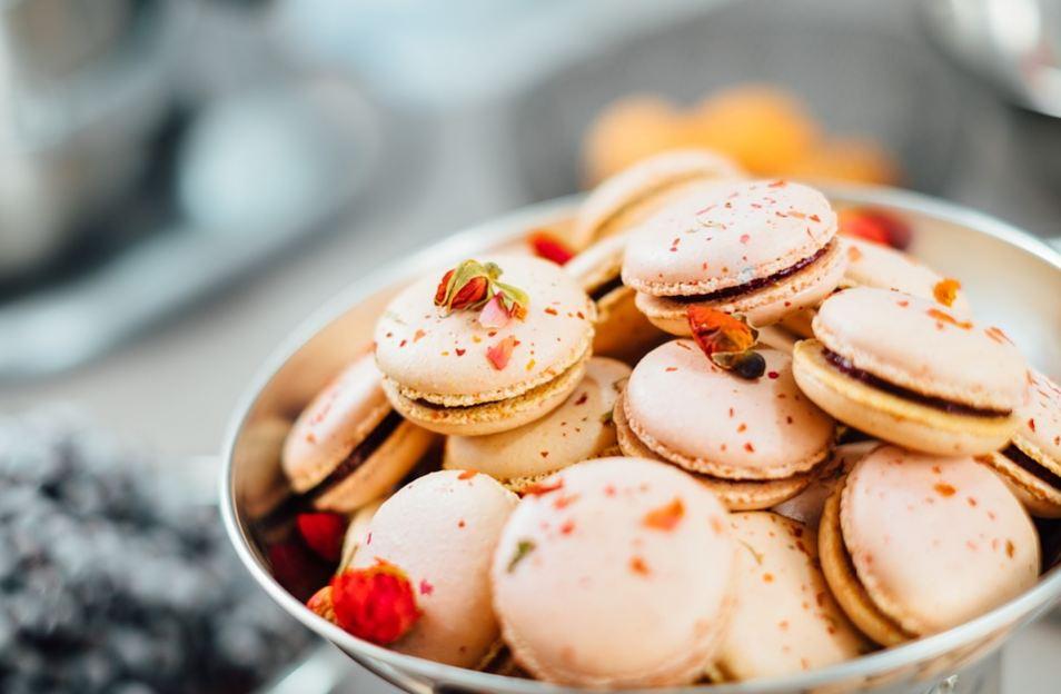 best-gourmet-macarons-flavors-fillings (8)-pumpkin-spice