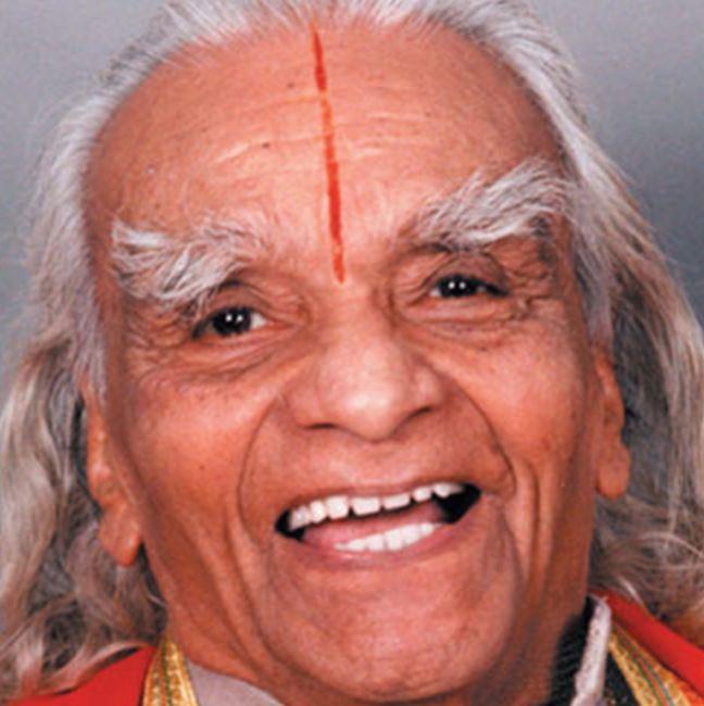 bks-iyengar-founder-of-yoga-props