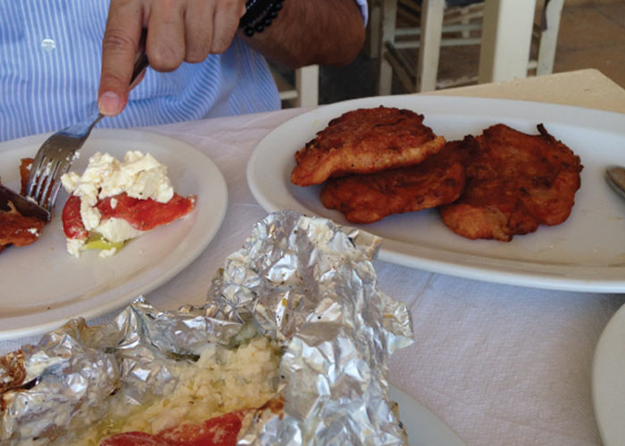 easy-simple-greek-food-recipes-domatokeftdes-tomato-fritters