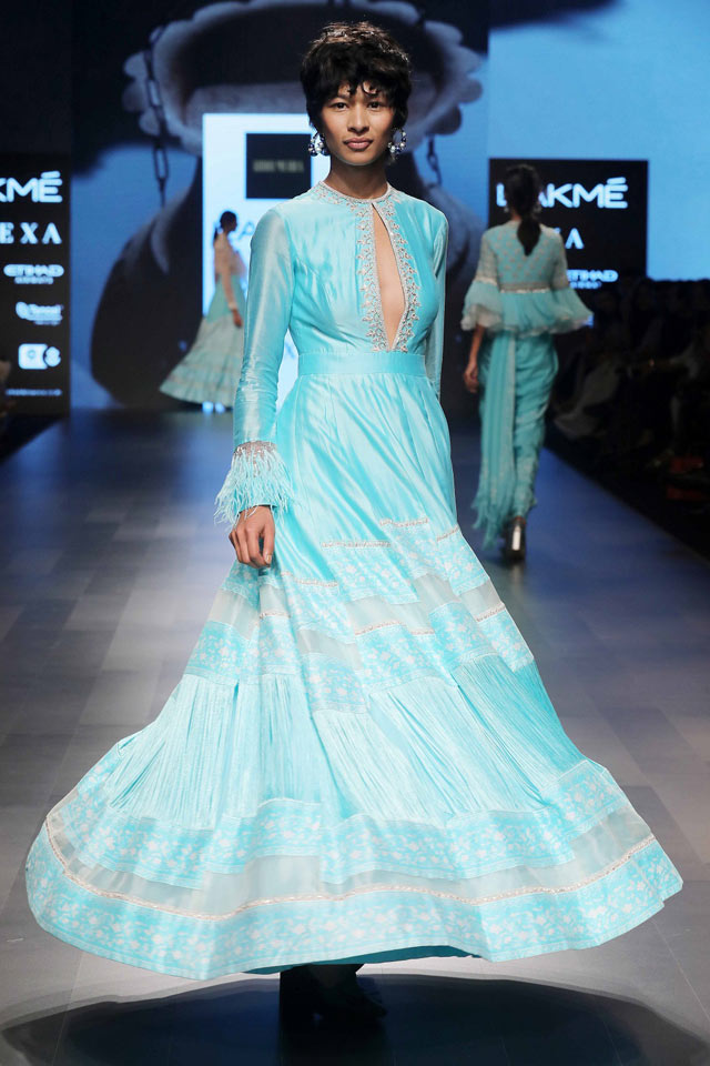 full-sleeve-gown-fashion-Ridhi-Mehra's-Lakme-Fashion-Week-Summer-Resort-2018