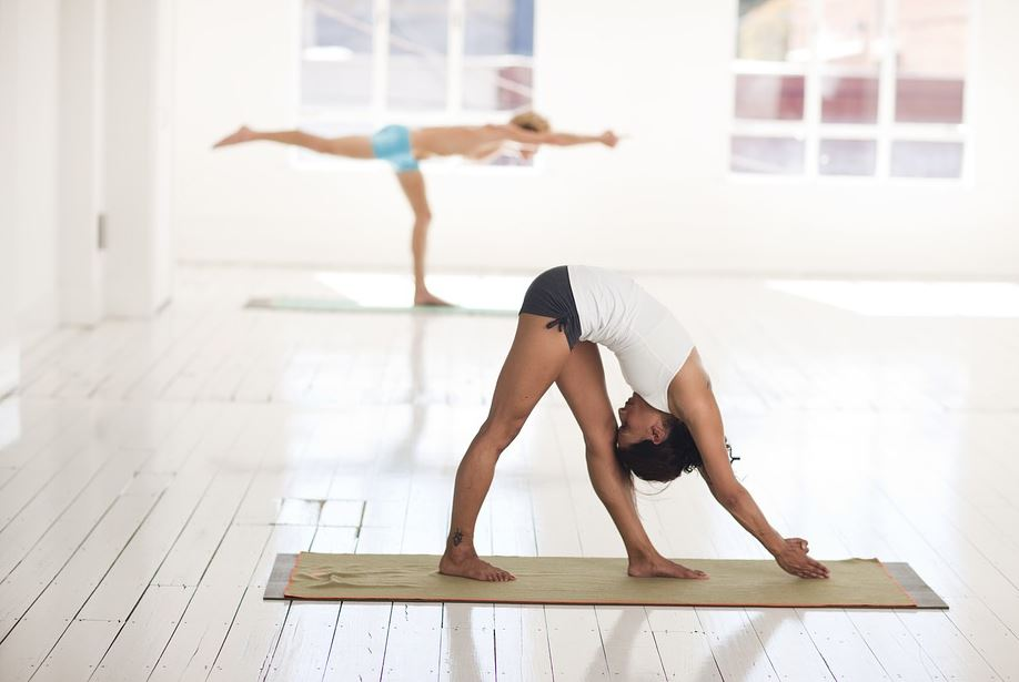 hot-power-yoga-practice-bikram-health